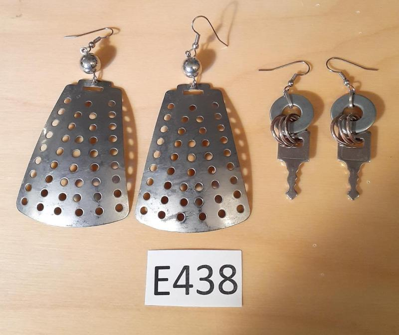 TWO PAIRS OF EARRINGS
